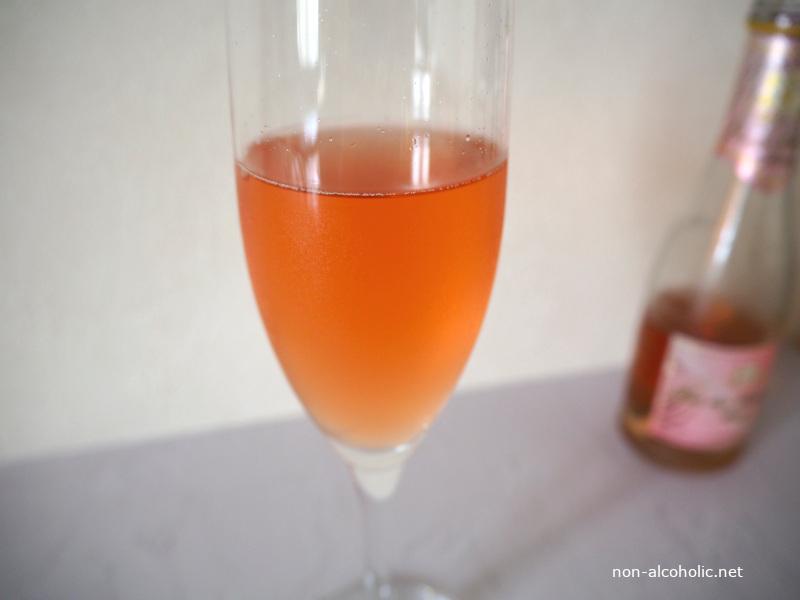 デュク・デュ・モンターニュ(ロゼ) グラスに注いだところ